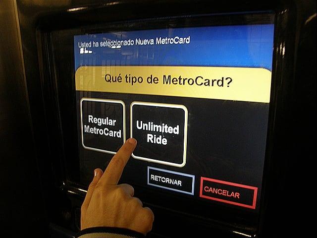 P1200228 - Como comprar o passe de metrô e ônibus em Nova York
