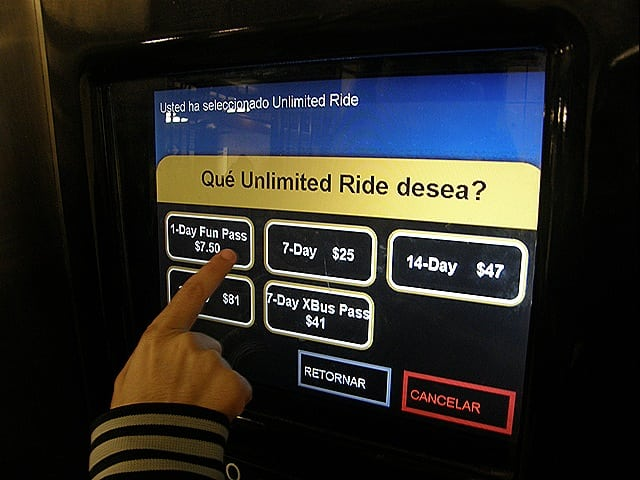 P1200229 - Como comprar o passe de metrô e ônibus em Nova York