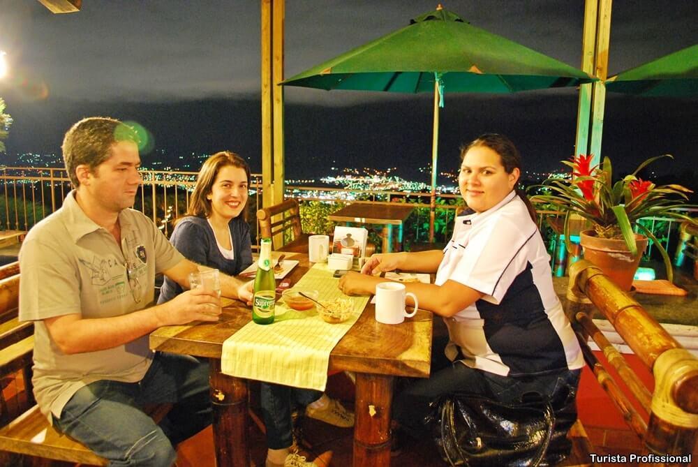 pupusa a comida tipica de el salvador - Roteiro de 5 dias em El Salvador