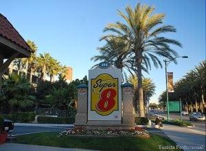 HotelDisney11 300x221 - Dica de hotel perto da Disney da Califórnia