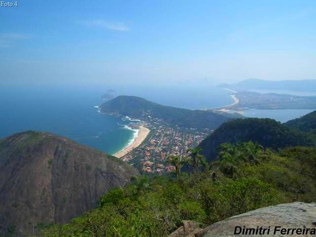 Foto4PraiadeItacoatiaravistadoAltoMouro1 - Trilhas em Niterói: as melhores trilhas da cidade