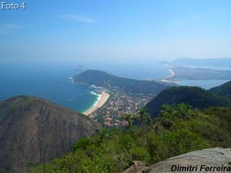 Praia de Itacoatiara vista do Alto Mourão
