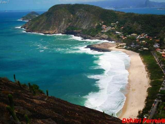 Praia de Itacoatiara trilhas de Niterói