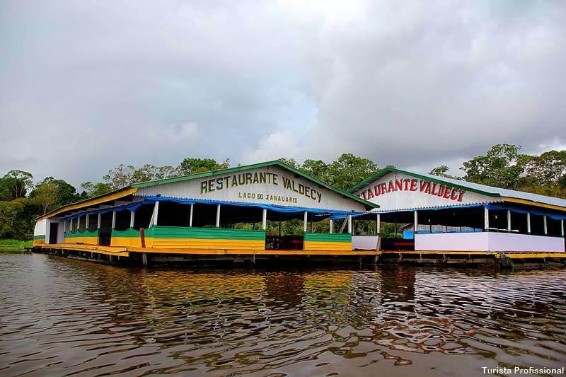 casas flutuantes da amazonia
