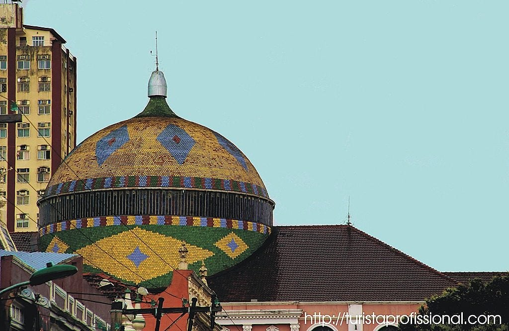 Manaus Cpula do teatro 2 1024x665 - Manaus: o que fazer numa cidade encravada na Amazônia?