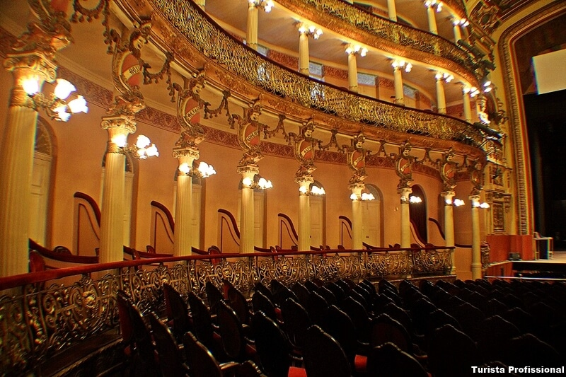 como é o Teatro amazonas
