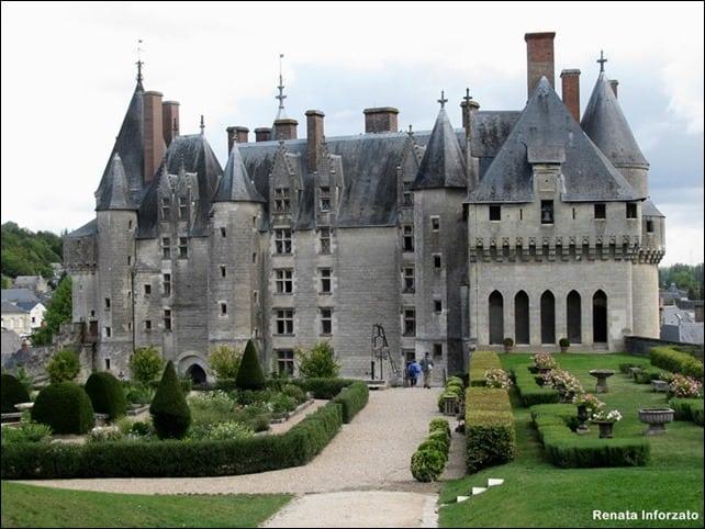 CastelodeLangeais - Como visitar o Vale do Loire usando o transporte público?