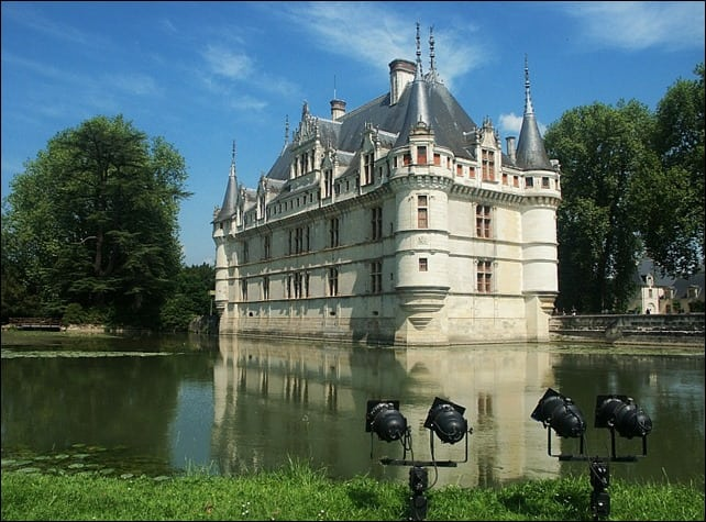 ChateauAzayleRideau - Como visitar o Vale do Loire usando o transporte público?