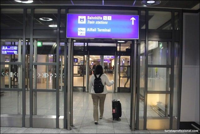 Como ir do aeroporto ao centro de Frankfurt