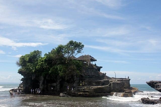 Bali dicas1 - Tanah Lot, um dos templos símbolos de Bali
