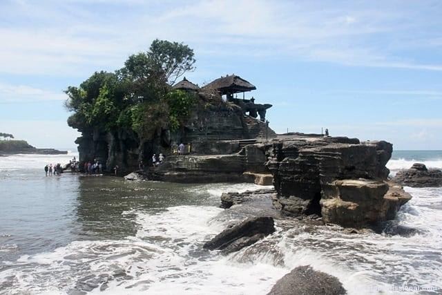 o que fazer em Bali1 - Tanah Lot, um dos templos símbolos de Bali