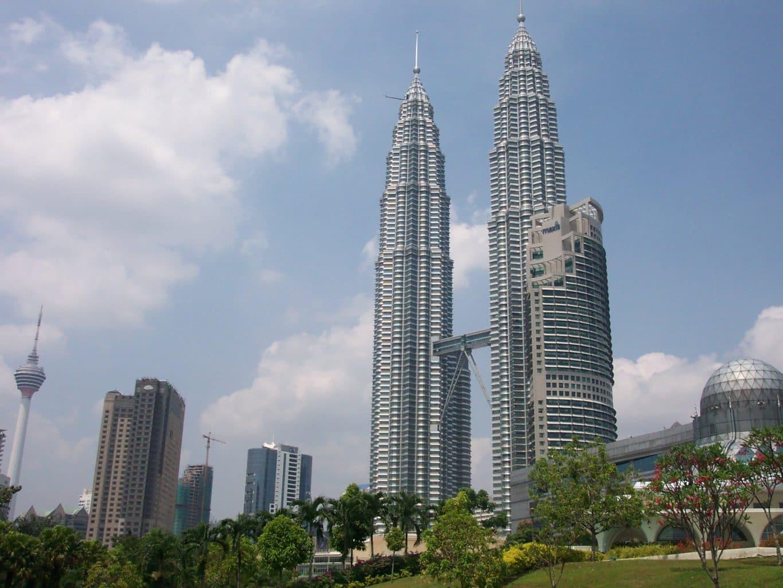 petronas tower - Roteiro de 1 dia em Kuala Lumpur - Malásia