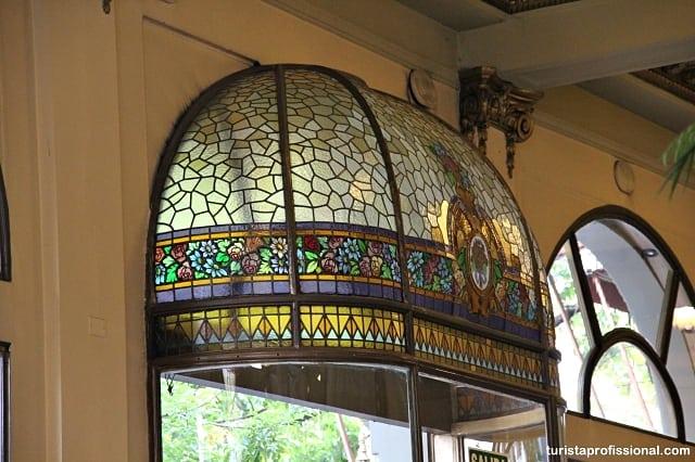 vitrais - Café da manhã ou chá da tarde no Las Violetas em Buenos Aires