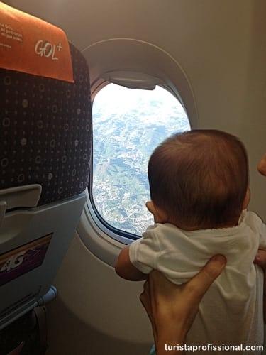 avião com bebê