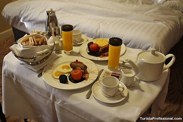 café da manhã no quarto