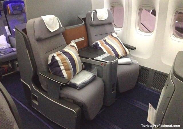 cadeira do avião - Como é voar na Business Class da Lufthansa