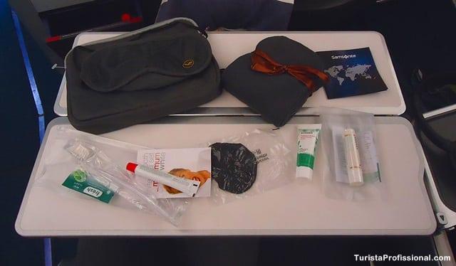 necessaire - Como é voar na Business Class da Lufthansa