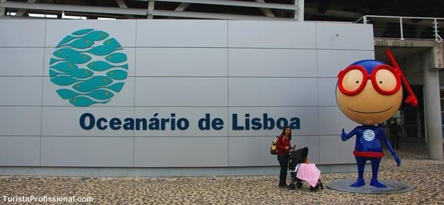 visita ao oceanário de Lisboa - TuristaProfBaby completa 1 ano voando: 40 voos e 14 países (com apenas 15 meses de vida!)