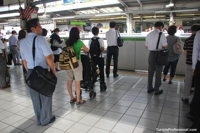 filas no japão