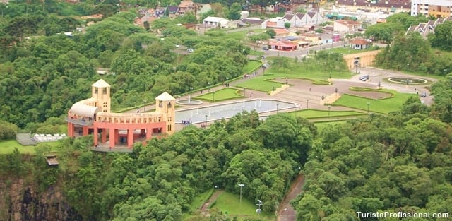 parque tangua curitiba 1 - Voo de helicóptero em Curitiba: veja a cidade do alto!
