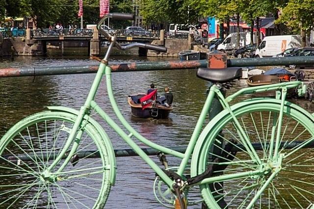 transporte público em amsterdam