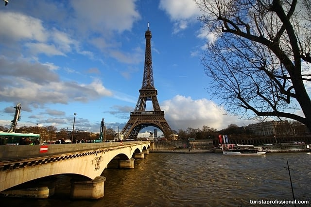 como chegar na Torre Eiffel