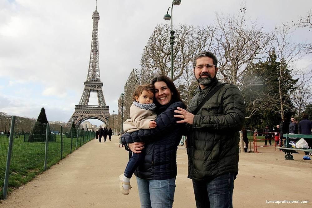 quanto custa uma viagem para Paris