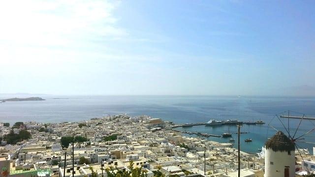 vista de chora - Mykonos: dicas para conhecer a ilha grega das baladas