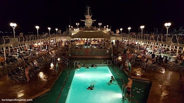 noite-no-navio