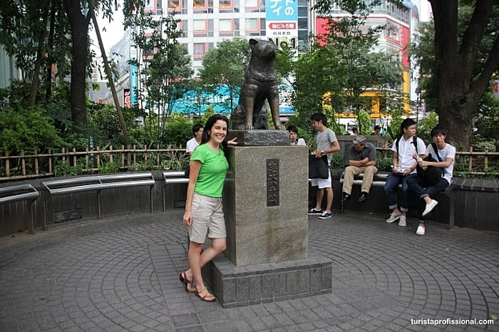 estátua Hashiko em Tóquio