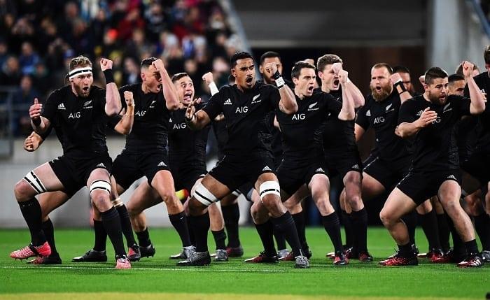 Equipe do All Blacks em ritual do Haka - Dicas da Nova Zelândia para quem vai a primeira vez
