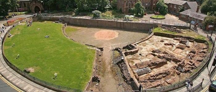 chester roman amphitheatre - A rota do Rei Arthur e os Cavaleiros da Távola Redonda na Grã-Bretanha
