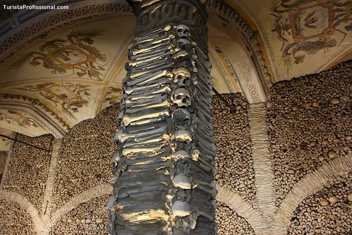 o que ver em evora - Capela dos Ossos em Évora, Portugal: um lugar que vai te surpreender!