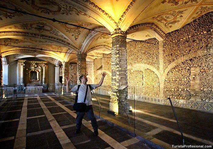 turista profissional portugal - Capela dos Ossos em Évora, Portugal: um lugar que vai te surpreender!