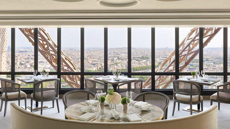 restaurantes na Torre Eiffel - Torre Eiffel: dicas, curiosidades e como a visitar a principal atração de Paris