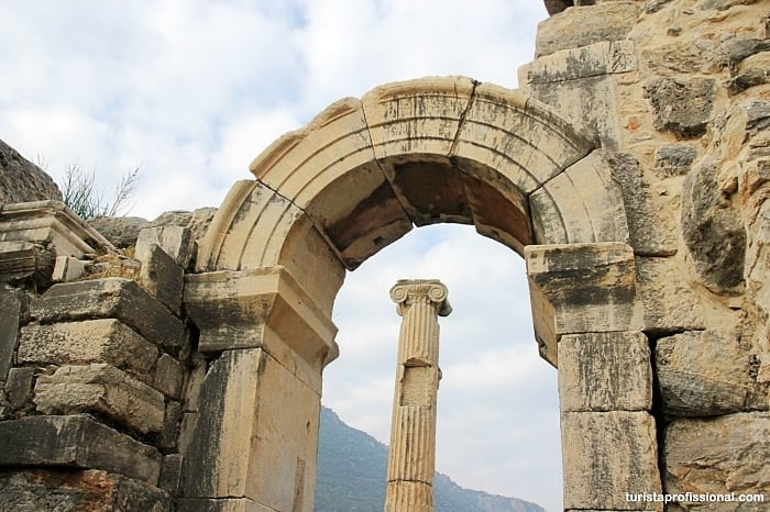 detalhes de efeso - Como chegar e dicas para visitar Éfeso, na Turquia: uma joia da Antiguidade