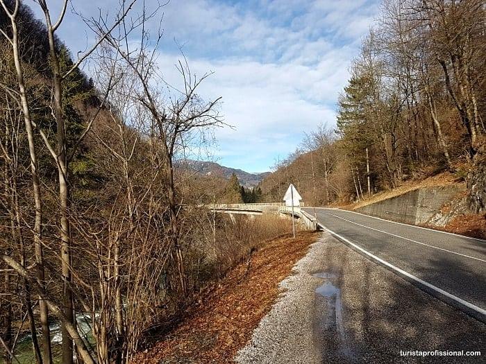 dirigir na eslovenia 1 - Eslovênia: dicas de viagem (Guia Completo!)