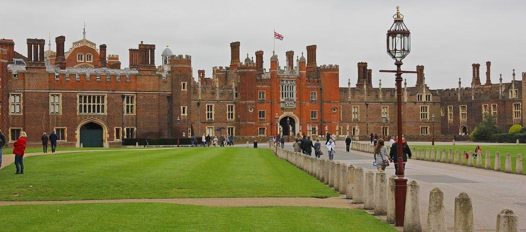 hampton court 1024x453 - Dicas para visitar o Hampton Court, o palácio de Henrique VIII