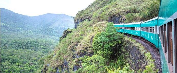 viajar de trem no Brasil