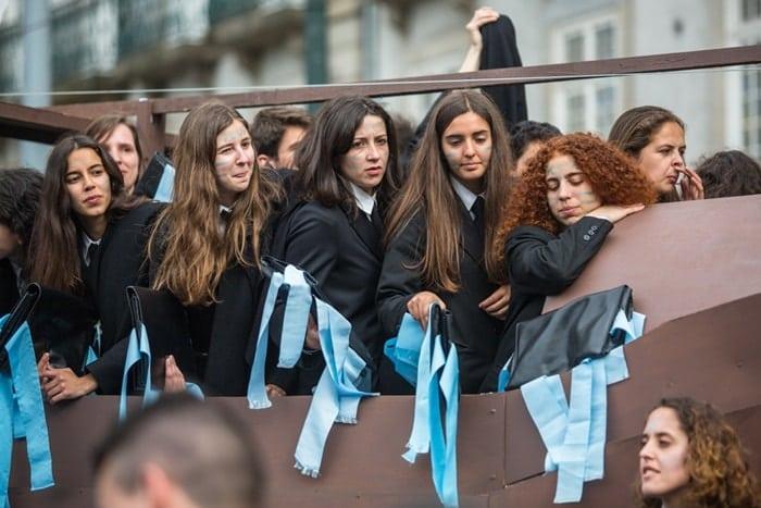festa das queimas das fitas - Queima das Fitas em Coimbra: a tradicional festa dos universitários