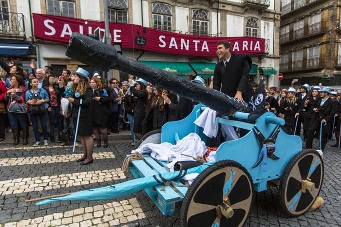 Queima das fitas universidade em Portugal
