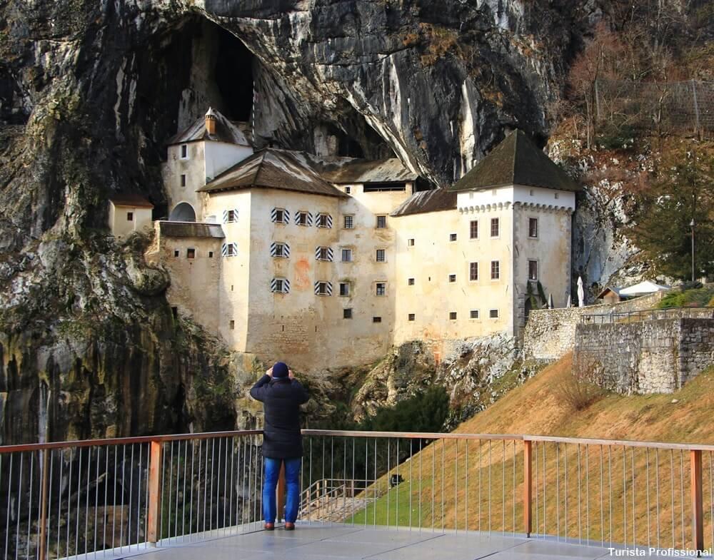 Castelo Predjama na Eslovênia