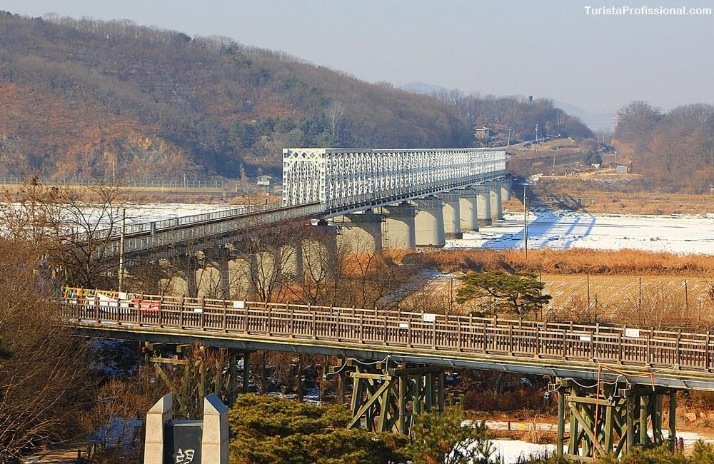 ponte da liberdade coreia - DMZ Tour: visitando a fronteira entre Coreia do Norte e Coreia do Sul