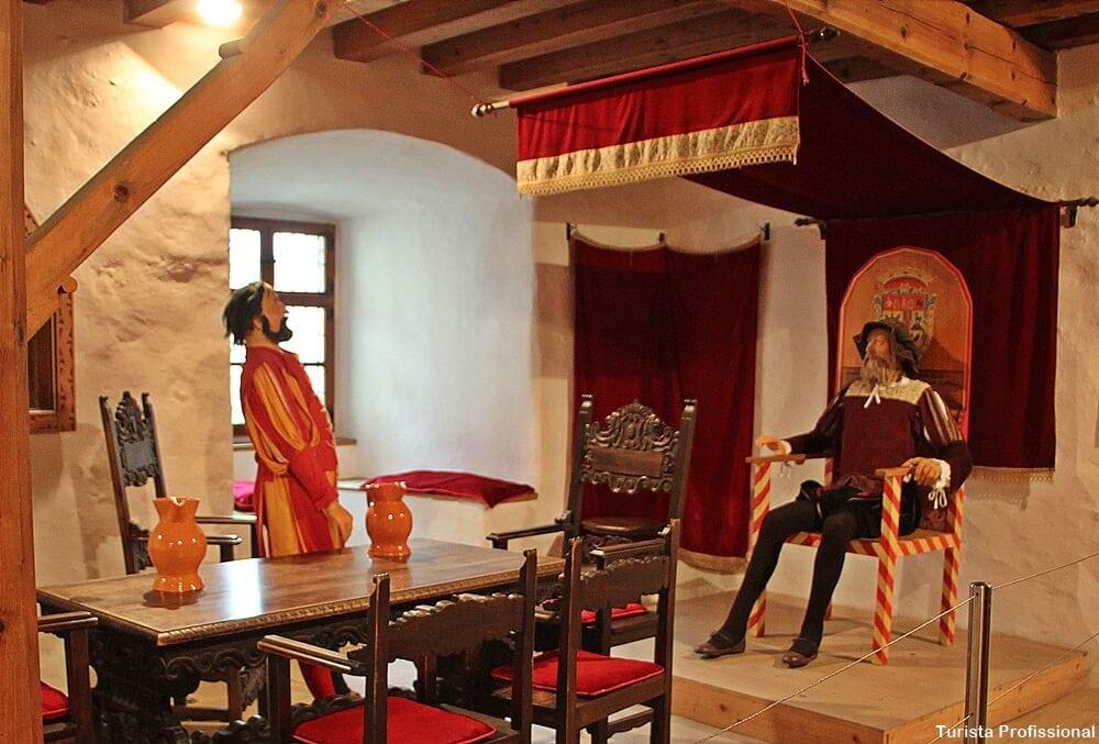 Rei do Castelo Predjama na Eslovênia