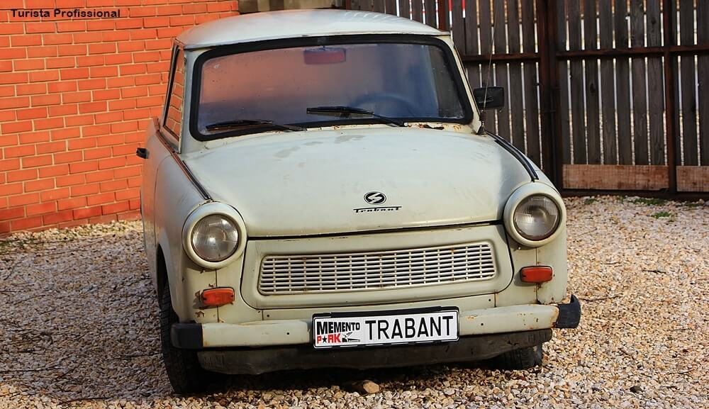 Carro popular Trabant no Memento Park