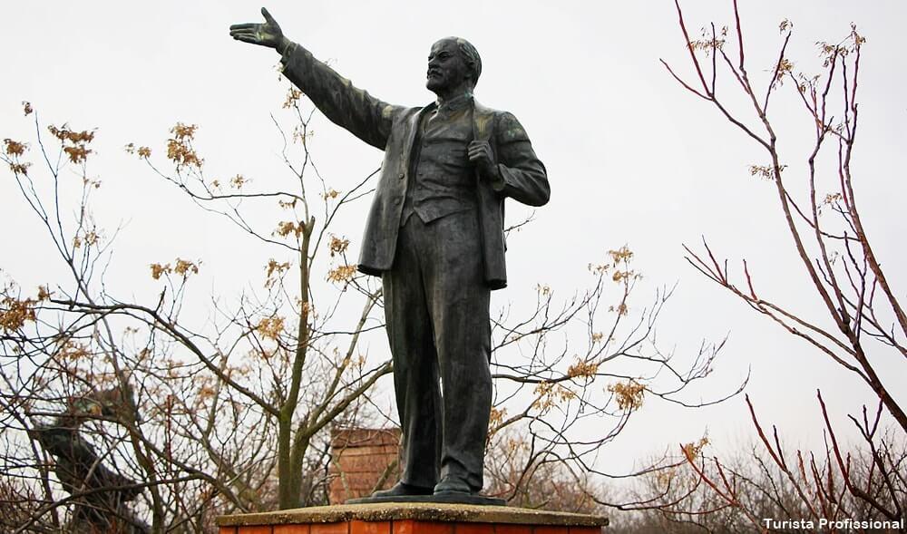 estatua de lenin - Memento Park: o museu das estátuas de comunistas de Budapeste