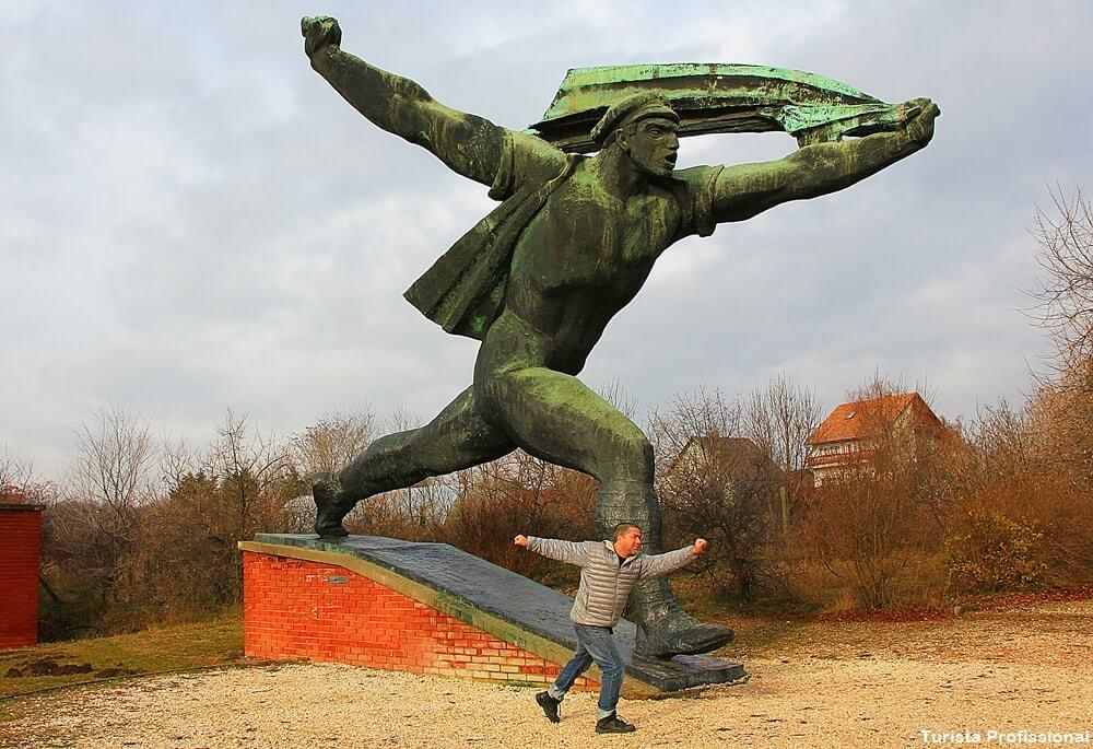 memento park estatuas do comunismo - Memento Park: o museu das estátuas de comunistas de Budapeste