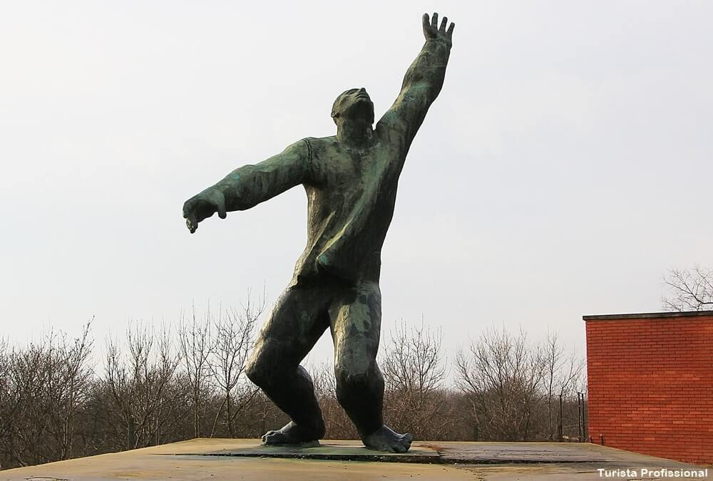 o que ver em budapeste memento parque - Memento Park: o museu das estátuas de comunistas de Budapeste