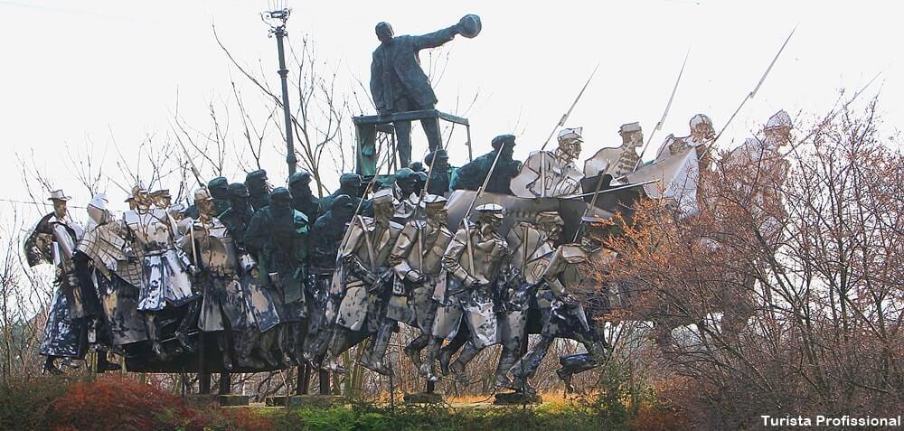 pontos turisticos de budapeste memento park - Memento Park: o museu das estátuas de comunistas de Budapeste