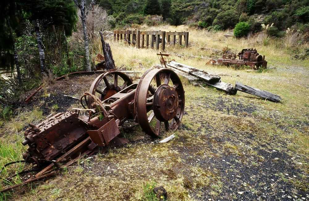 ruinas de uma Ferrovia em Charming Creek 1 - Conheça as melhores trilhas de um dia na Nova Zelândia